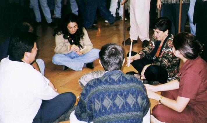 Ritual de la Cuñuñunga en el Laboratorio de Arqueología de la Universidad de Costa Rica en 1999 (Fotografía de Margarita Bolaños)